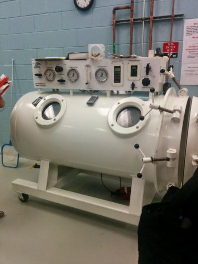 Hyperbaric chamber at UT vet school